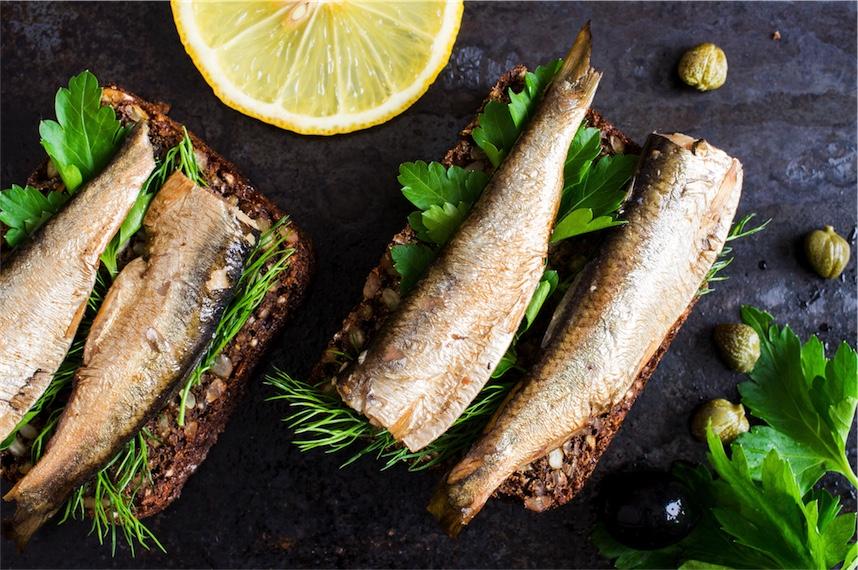 sardines and parsley with lemon